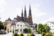 Leinwanddruck Bild - The cathedral and sun in the city