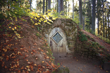hobbit house grotto fall