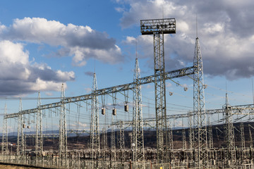 Electric power distribution station