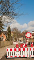 Baustelle - Vollsperrung wegen Strassenbauarbeiten
