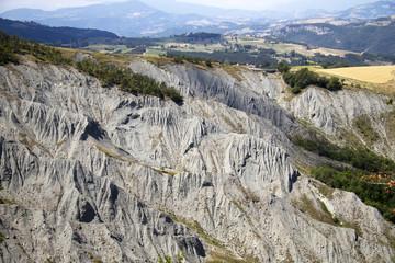 Canossa, Formazioni Calanchive
