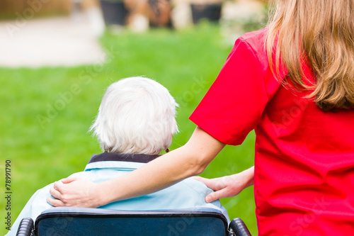 Elderly care - 78991790