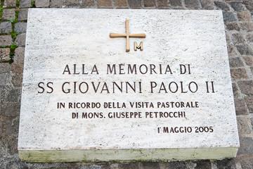 Giovanni Paolo II, targa commemorativa