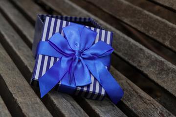 semi-open box blue