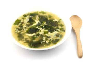 卵スープとスプーン