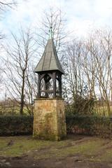 Ein alter Glockenturm