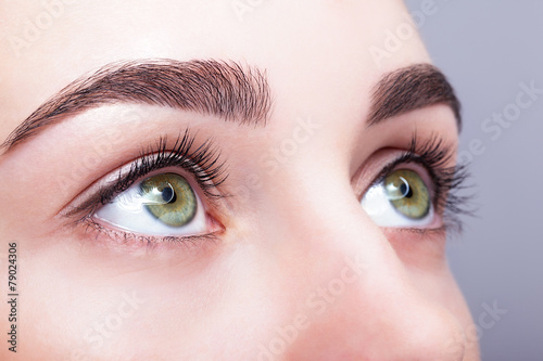 Leinwanddruck Bild female eye zone and brows with day makeup