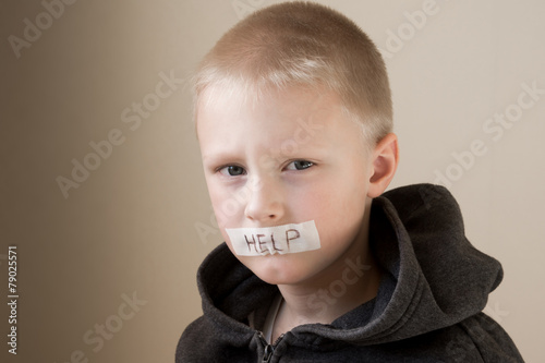 Abused child, help