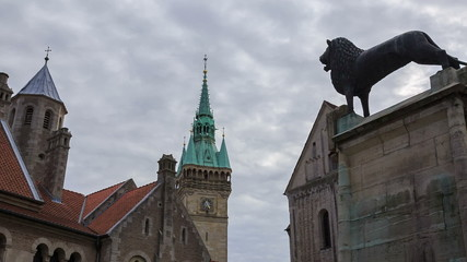Braunschweig old buildings and lion statue near Dom, timelapse