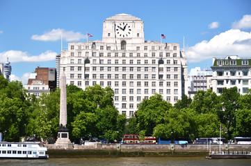 London across Thames river