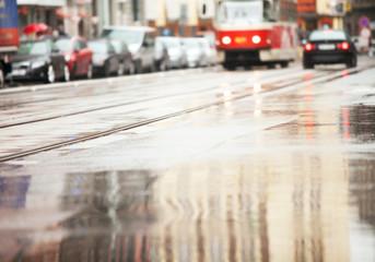wet streets, urban Tube
