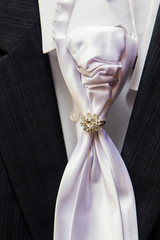 Man's style, dressing, suit, shirt, tie