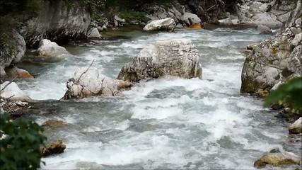 schneller Bach aus den bergen