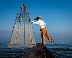 Traditional Burmese fisherman at Inle lak, Myanmar