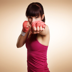 junge boxende Frau