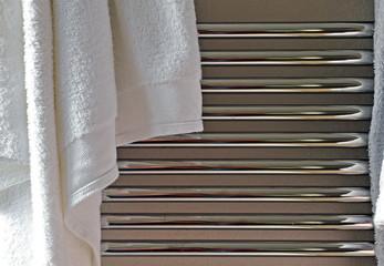 Cuarto de baño, toalla, radiador