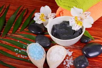 black therapeutic clay