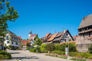 Fachwerkhäuser in der Altstadt mit Liebfrauenkirche, Gernsbach