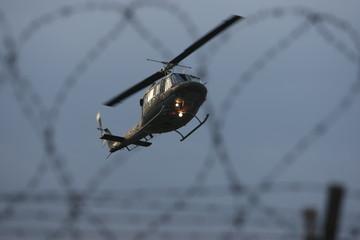 elicottero filo spinato