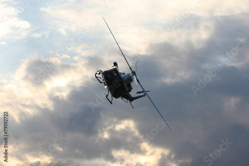 Foto op Canvas Helicopter Bell 412,acrobazie aeree,