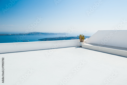 Leinwanddruck Bild White architecture on Santorini island, Greece
