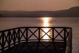 Brückenkopf im See