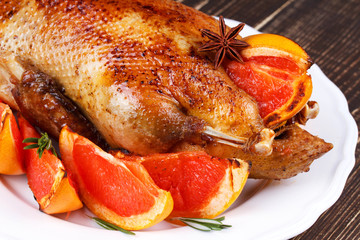 Duck with grapefruits