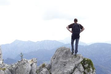 Ausblick mit Bergsteiger