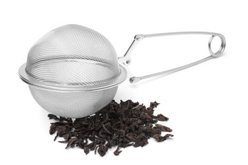 Tea infuser with a handful of tea