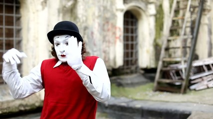 mim mime in Paris