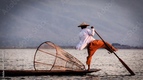Papiers peints Coucher Fisherman of Inle Lake