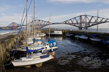 pleasure boats harbour
