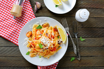 Pasta with seafood and cheese