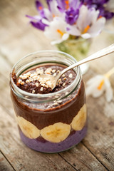 cocoa porridge with banana and almonds