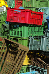 plastic crates colors 4