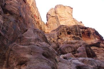 Скалы в ущелье