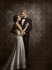 Couple Retro Man and Woman in Love, Fashion Beauty Portrait