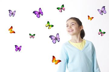Bambina con farfalle