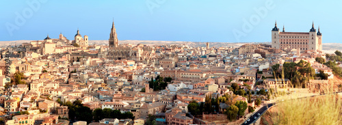 Fotobehang Madrid Panoramic view of Toledo and Alcazar, Spain