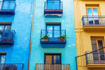 bunte Häuserfronten in Valencia, Spanien