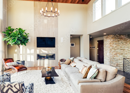 Beautiful living room in new luxury home - 79206732