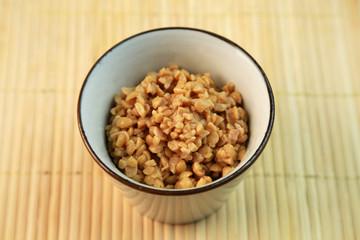 挽き割り納豆
