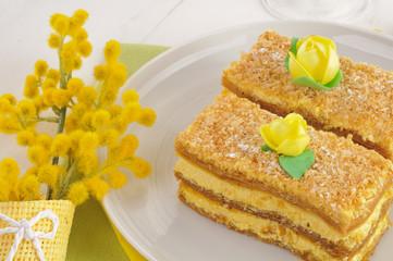 Torta millefoglie e mimosa