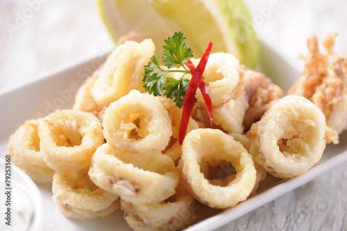 Fotobehang Vis Traditional Fried Calamari