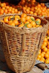 cesto di mandarini