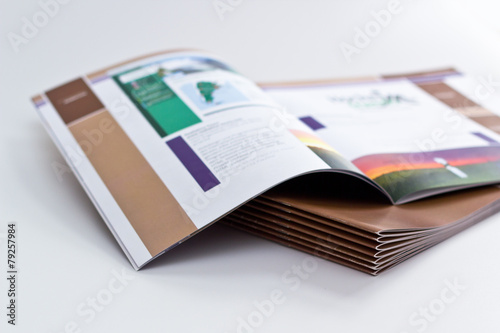 Magazin - 79257984