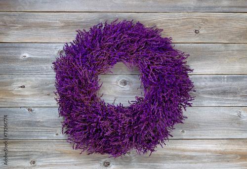 Foto op Aluminium Lavendel Lavender Wreath on aged cedar wood