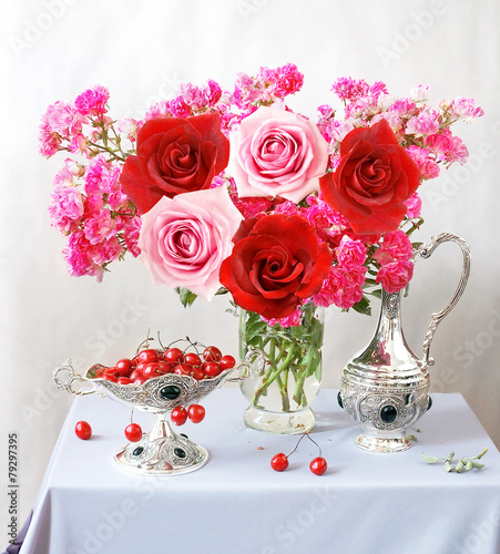 Still life with pink and red roses and cherries - 79297395