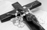 crocifisso con rosario