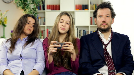 Parents desperate about daughter addicted to phone comedy